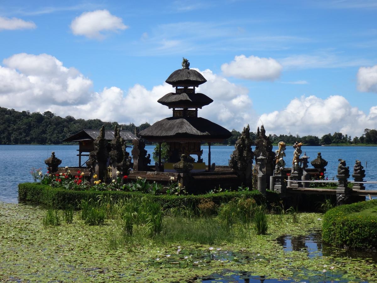 La beauté et les désagréments des temples Balinais...