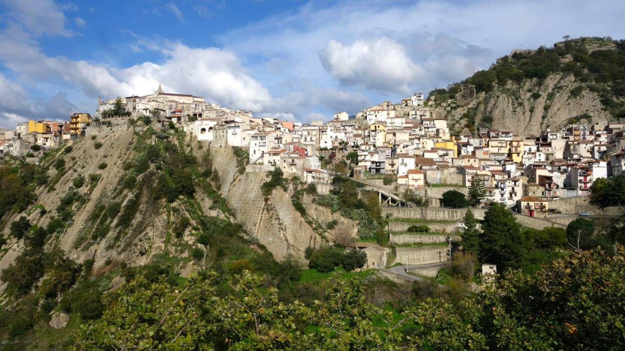 La Sicile et ses magnifiques volcans ( Etna, Stromboli,Vulcano) Palerme, Marsala, Corleone, Agrigento, Motta Camastra (Italie)2014