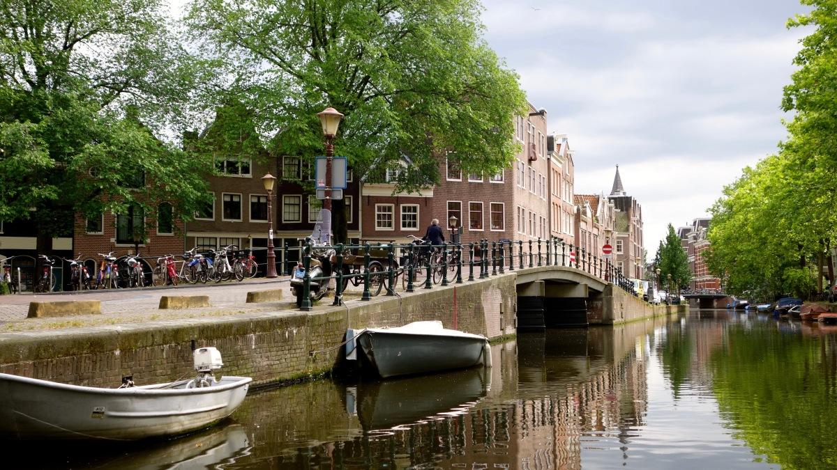 Un saut à Amsterdam... Et Bruxelles...